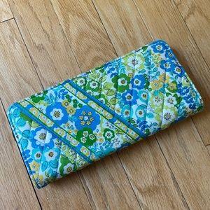 Vera Bradley wallet 🌼